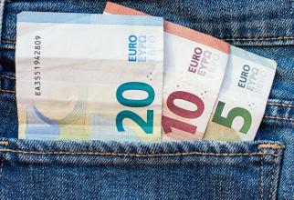Banca Naţională a României (BNR) a afişat, miercuri, o cotaţie de 4,8432 lei pentru un euro