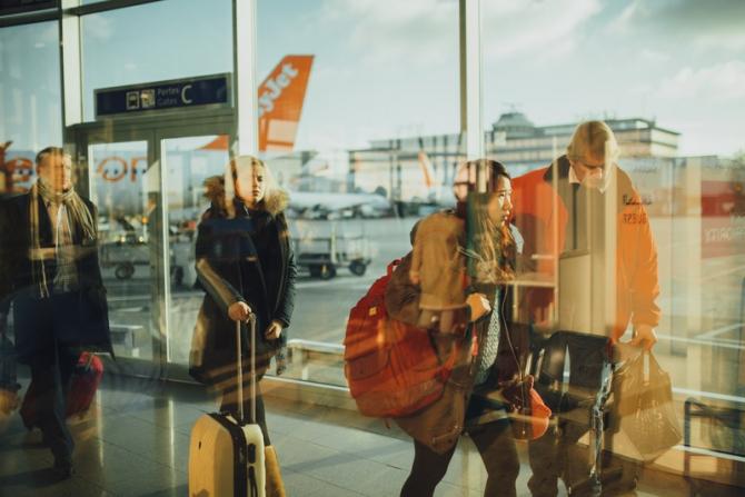Cursele aeriene, întârzieri de până la 40 de minute
