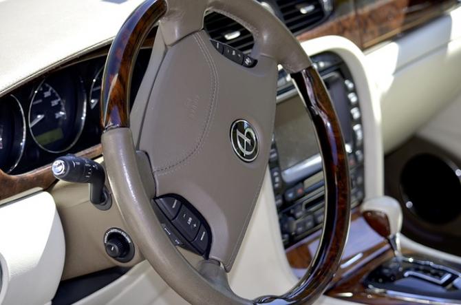 Daimler produce componente auto la Cugir