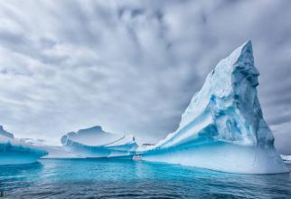 Încălzirea globală conduce la o topire în masă ''ireversibilă'' a gheţii din Antarctica