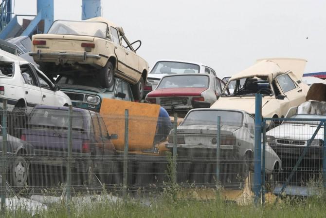 Mașinile poluante trebuie înlocuite