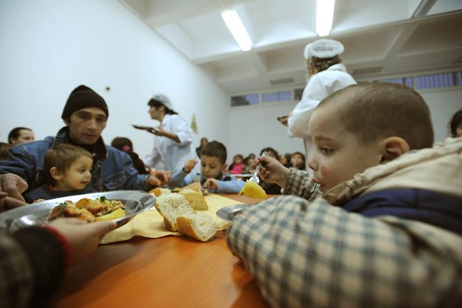 Creștere spectaculoasa a numarului beneficiarilor de ajutor social