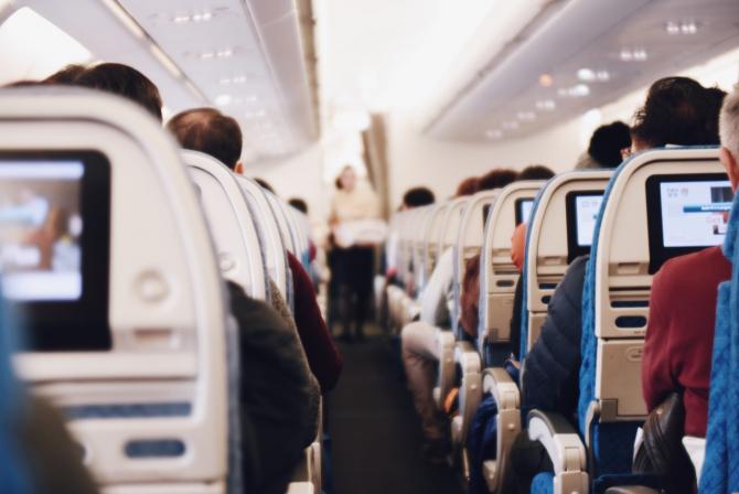 Cele mai murdare locuri dintr-un avion