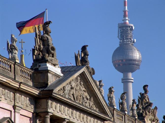Taxa radio-tv din Germania, declarată legală. Cât plătesc lunar nemții