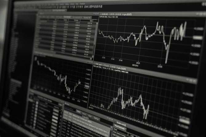 BVB închide ziua în creștere pe toți indicii