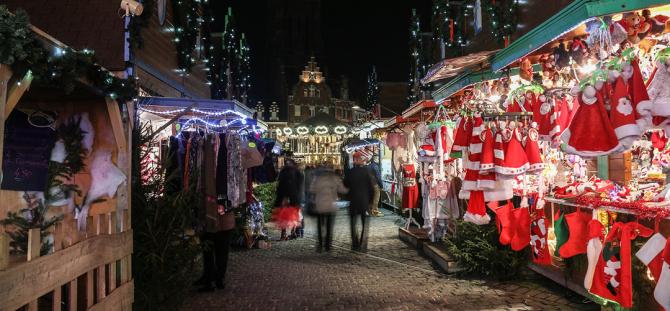 Românii cheltuie excesiv de Crăciun iar în ianuarie suferă