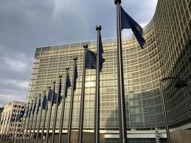 Comisia Europeană se pregătește de un Brexit fără acord și adoptă mai multe măsuri