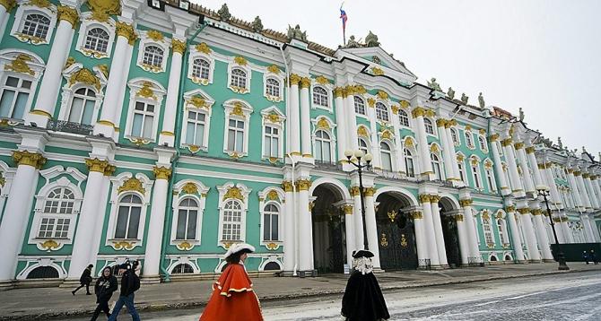 Palatul de iarnă din Sankt-Petersburg