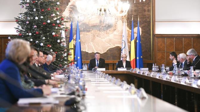 Klaus Iohannis și Viorica Dăncilă la ședința de Guvern de joi