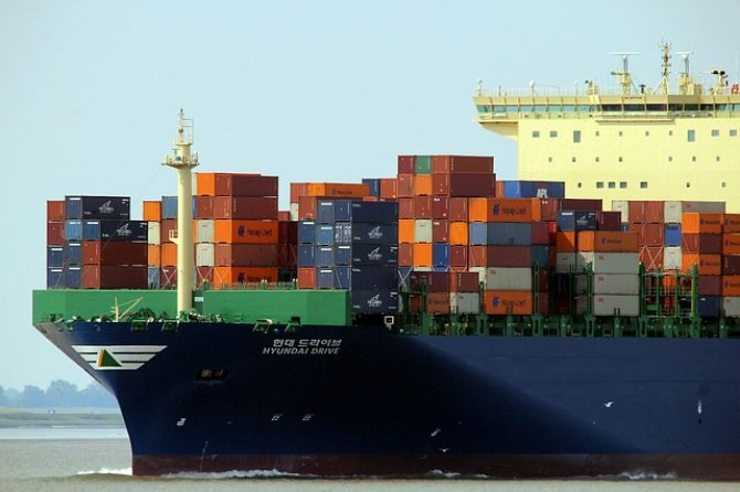 Industria navală trebuie să reducă emisiile de carbon, pentru a supraviețui