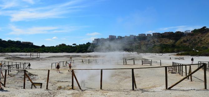 Pozzuoli, vulcani sulfurosi