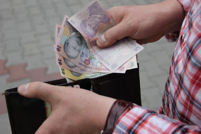 Salariile românilor au crescut față de anul trecut