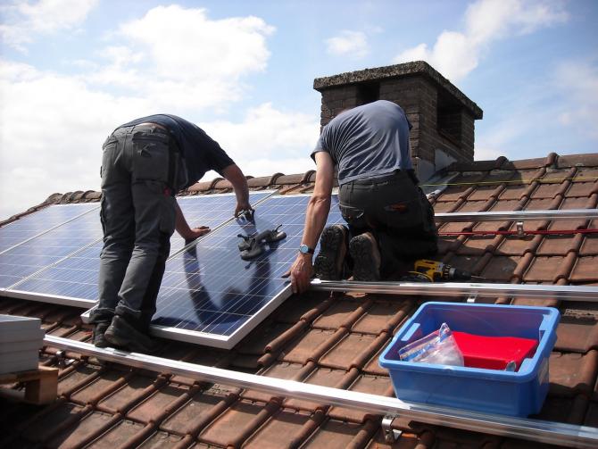 Ministerul Mediului finanțează panourile fotovoltaice pentru locuințe
