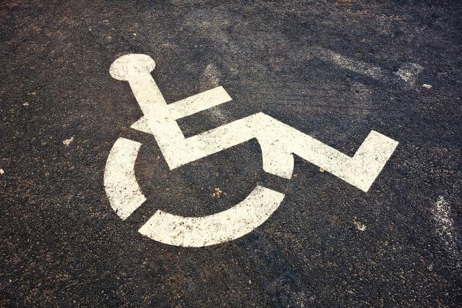 Persoanele cu handicap au gratuitate la orice tip de transport interurban