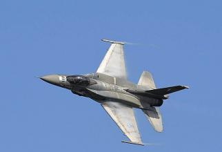 Avioane F-16
