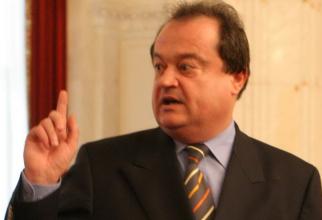 O bună perioadă de timp, Vasile Blaga s-a retras de pe scena politică
