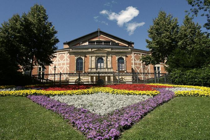 Un  spectacol la Bayreuth poate depăși 400 de euro