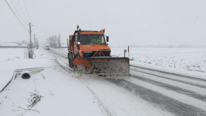 CNAIR a curățat zăpada de pa DN22