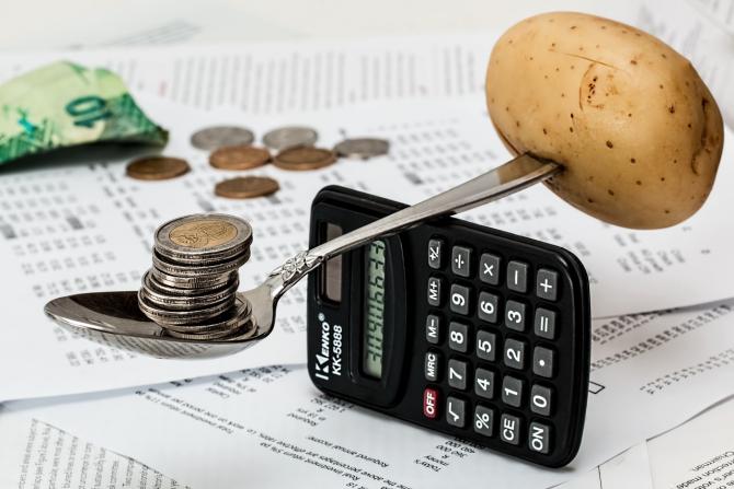 Cei mai mulți bani sunt cheltuiți pe mâncare