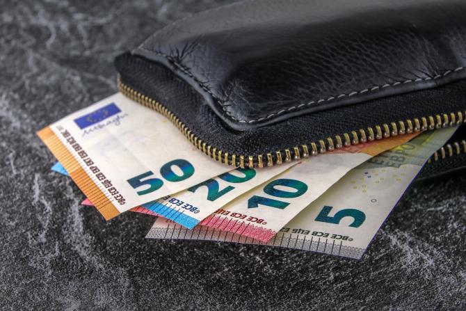 Alocații de stat de 780 euro