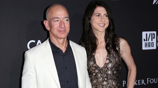 Jeff Bezos și Mackenzie Bezos