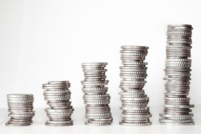 Creșterile salariale au depășit cu 9% rata inflației