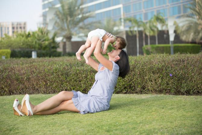 Nivelul indemnizației medii pentru creșterea copilului este de 1.872 de lei