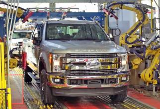Ford Motors concediază 12.000 de oameni