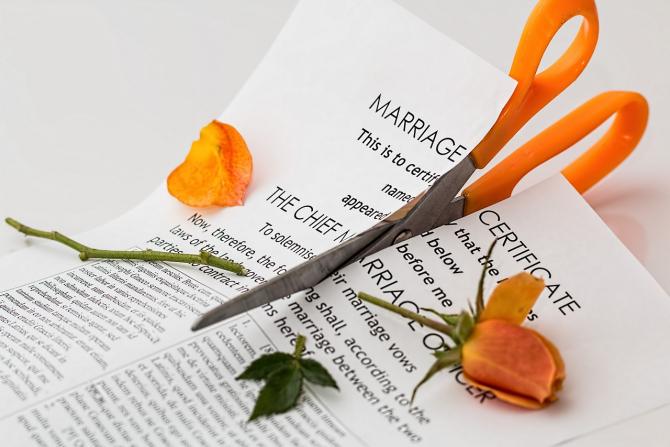 Aproape o căsătorie din patru se termină prin divorț