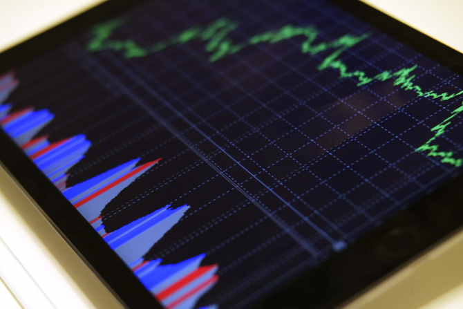Agentia Fitch Ratings taie din elanul guvernantilor