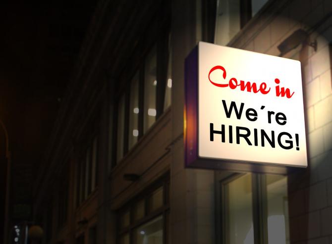 Aproape 30.000 de locuri de muncă sunt disponibile