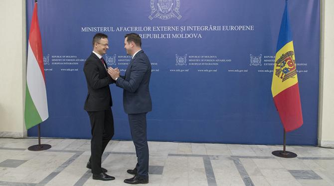 Peter Szijjarto și Tudor Ulianovschi