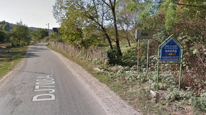 Intrarea în satul Nadăș