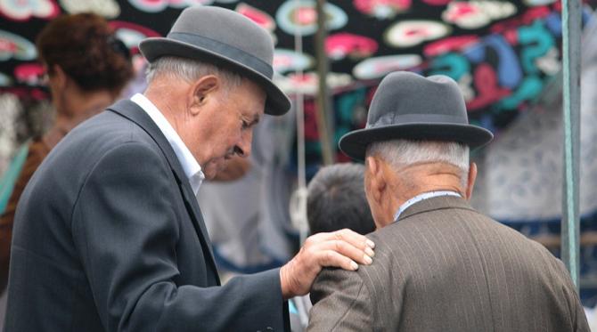 Pensionarii ar putea primi pensiile mărite la sfârșitul lunii aprilie