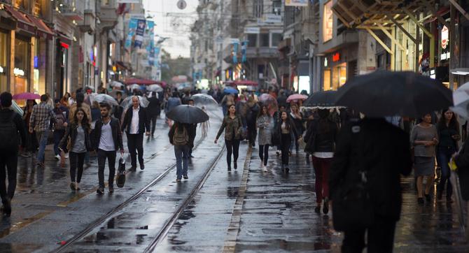 Peste un milion de oameni muncesc în Bucuresti