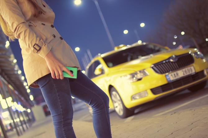 Taxify își schimbă numele