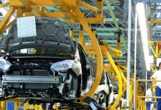 PSA și Renault sunt rivale pe piața auto