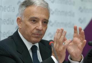 Mugur Isărescu a dat lecții