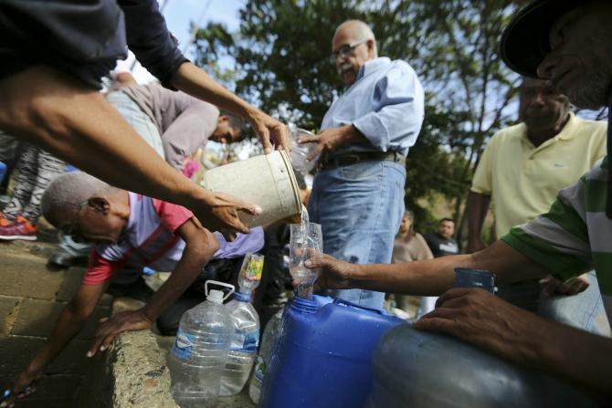 Pana de curent a lăsat populatia și fără apă