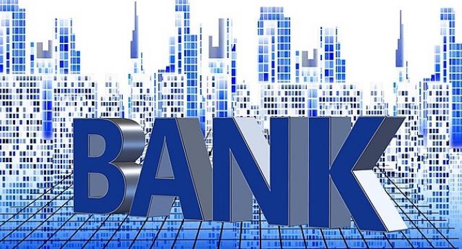 Unii bancherii castiga mai mult de un milion de euro
