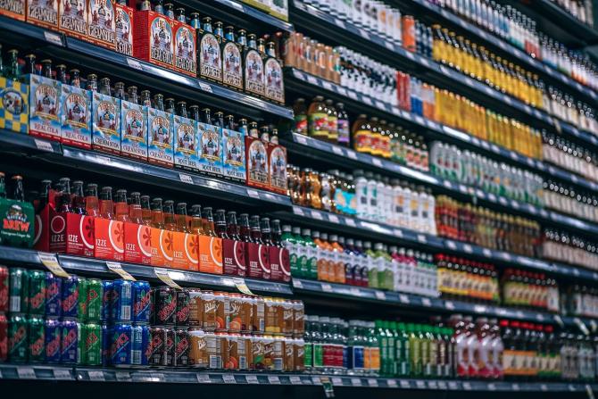 În Suedia, băutura nu poate fi cumpărată decât din magazinele de stat