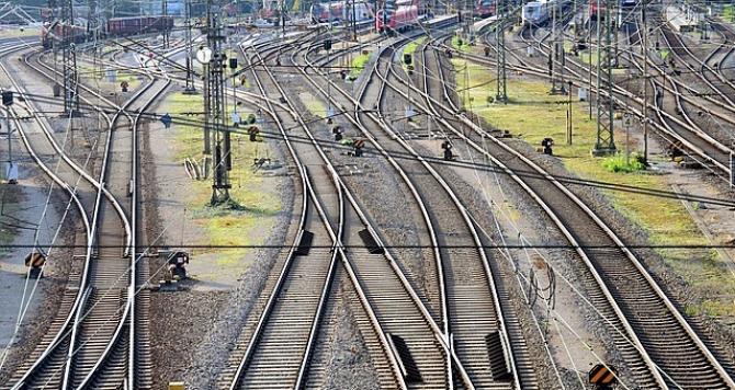 Trenurile au restricții de viteză