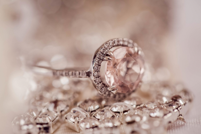 Industria diamantelor se confrunta cu scaderea preturilor