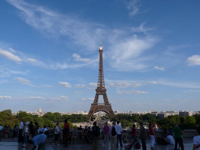 Parisul face parte din oferta specială a agențiilor de turism