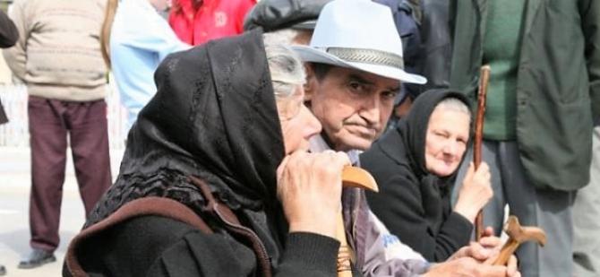 Astăzi, vor pleca 12.000 de decizii către pensionari