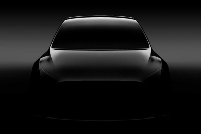 Tesla isi lanseaza noul SUV