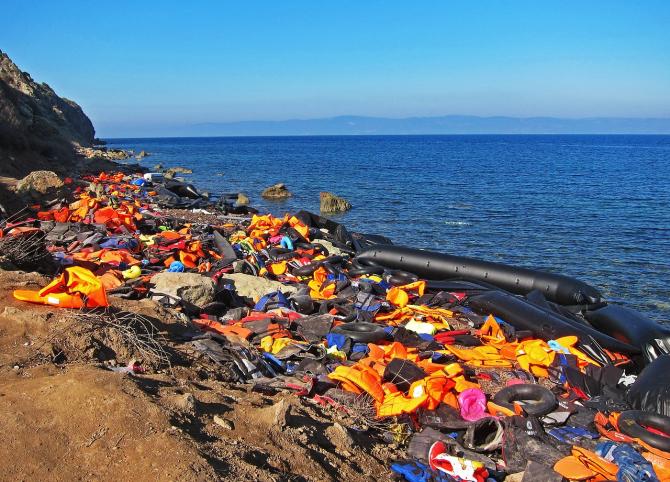 Patrularea navelor UE a fost întreruptă la cererea Italiei