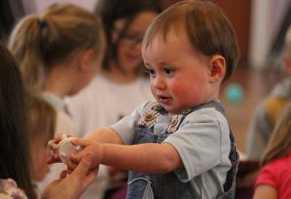 În intervalul 7 - 21 iulie are loc înscrierea copiilor care nu au beneficiat în acest an de serviciile creşelor.