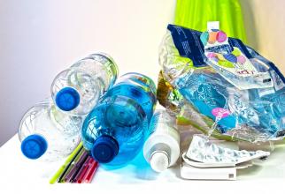 Tone de plastic vor fi reciclate în produse noi, în UE