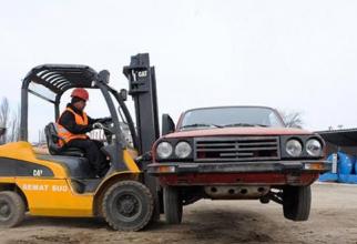 Persoanele juridice care au fost acceptate se pot adresa producătorilor sau dealerilor auto validaţi